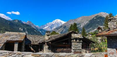 Mont Blanc. Versant italien vu du Val d'Aoste