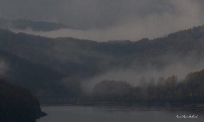 Brumes d'un matin d'automne sur le barrage du lac du Laouzas (1)