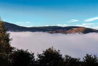 Condensation matinale au-dessus du lac du Laouzas 2