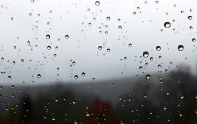 Pluie derrière la vitre 2