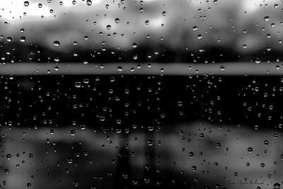 Pluie derrière la vitre 1