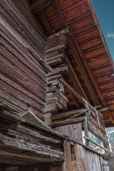 Arêches-Beaufort : détails d'une grange