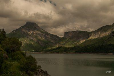 Beaufortain lac de Roselend. Frissons sur le Rocher du Vent