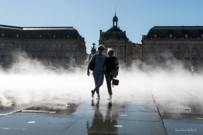 Bordeaux. Nymphes (!) dans le brouillard du miroir d'eau (1)