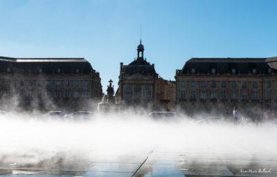 Bordeaux. Effets de brouillard sur le miroir d'eau