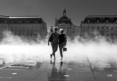 Bordeaux. Nymphes (!) dans le brouillard du miroir d'eau (2)