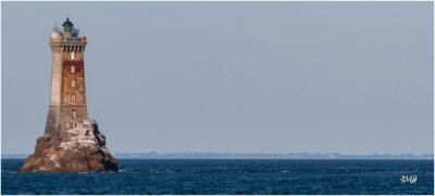 Bretagne en baie d'Audierne. Le phare de la Vieille, au large de la pointe du Raz